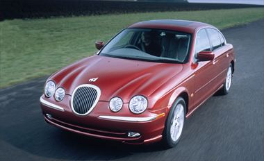 2000 Jaguar S Type Sedan (273)