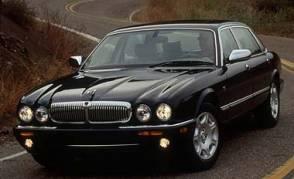 2002 Jaguar XJ8 Vanden Plas (395)