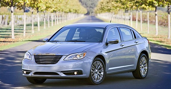 2013 Chrysler 200 Limited (984)