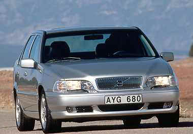 1999 Volvo S70 Sedan AWD (248)