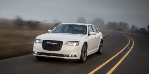 2016 Chrysler 300 S (1129)